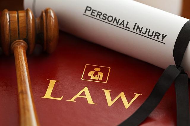 מתי לפנות לעורך דין תאונות דרכים בתל אביב?